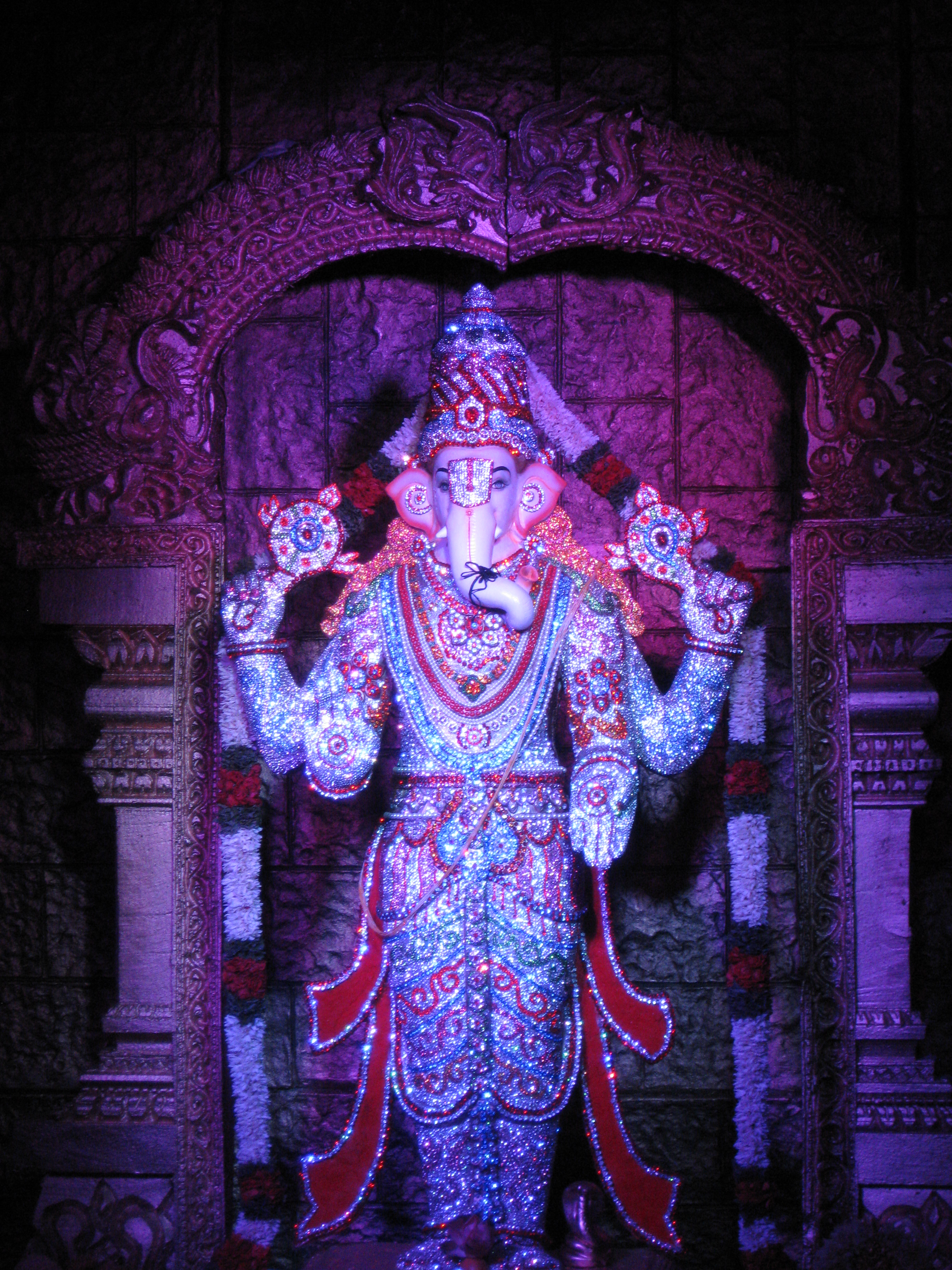 Diamond studded Ganesha.jpg