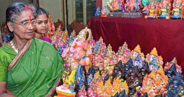 Vinayaka idols in various shapes and sizes are on display at Poompuhar showroom in Tiruchi.